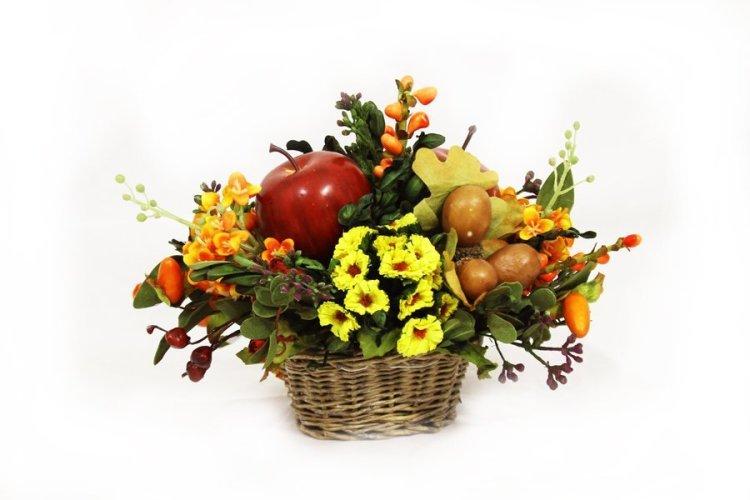 Композиции цветы и фрукты